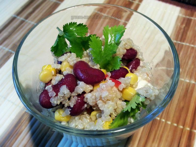 Quinoa-Bohnen-Salat mit Chili-Vinaigrette