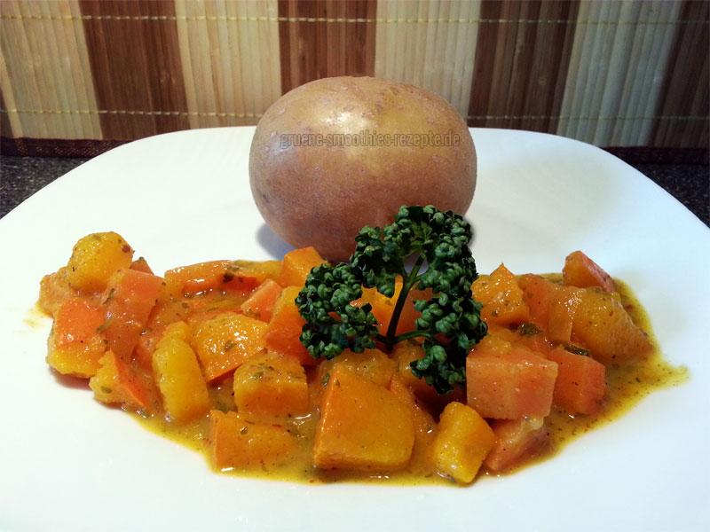 Karotten in Cremesosse und Kürbis mit einer Pellkartoffel