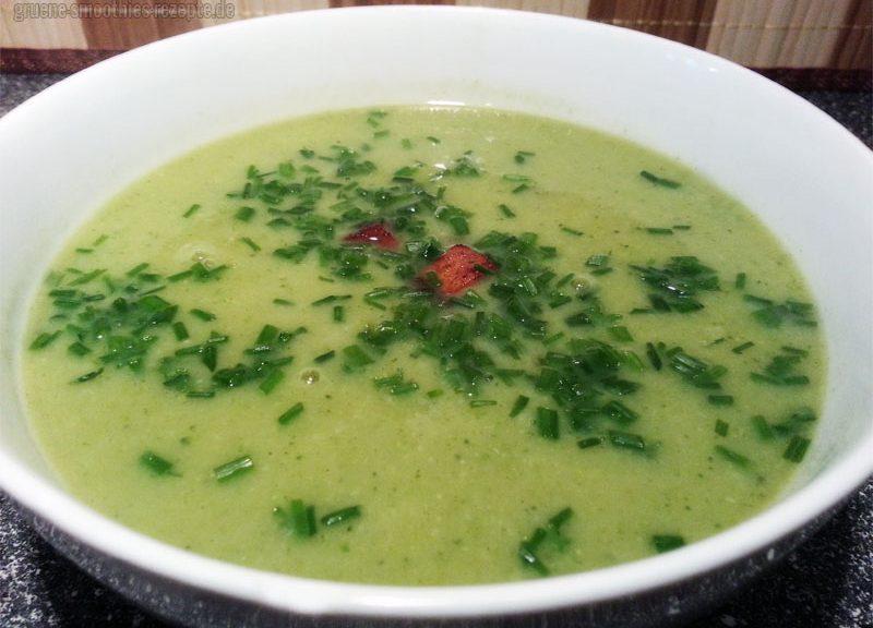 Vegan Fasten - Tag 9 - Brokkolisuppe mit Champinons und Räuchertofu