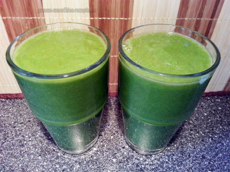 Vegan Fasten - Tag 9 - Grüne Smoothies mit Fenchel, Spinat, Sellerie, Avocado, Orange, Apfel, Zitrone und Goji-Beeren