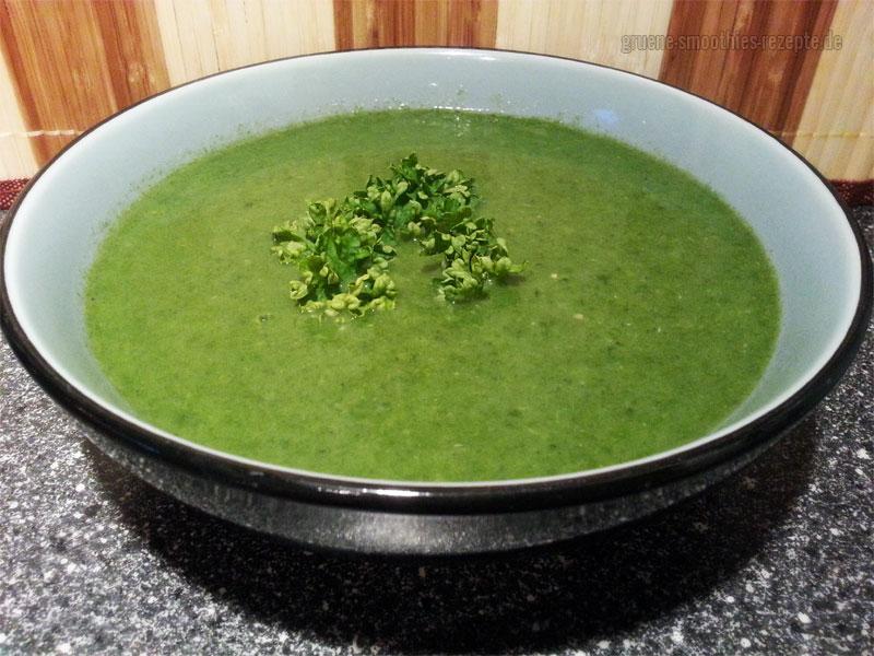 Vegan Fasten - Tag 14 - Spinat-Zucchini-Suppe mit Petersilie