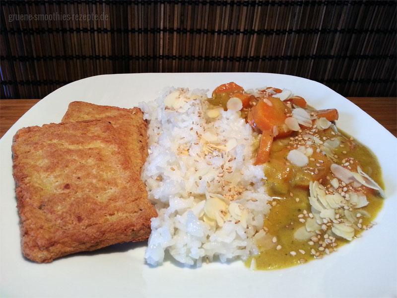 Das leckere Karotten-Curry mit cremiger Bananen-Sesam-Mandelsosse und japanisches Bratfilets