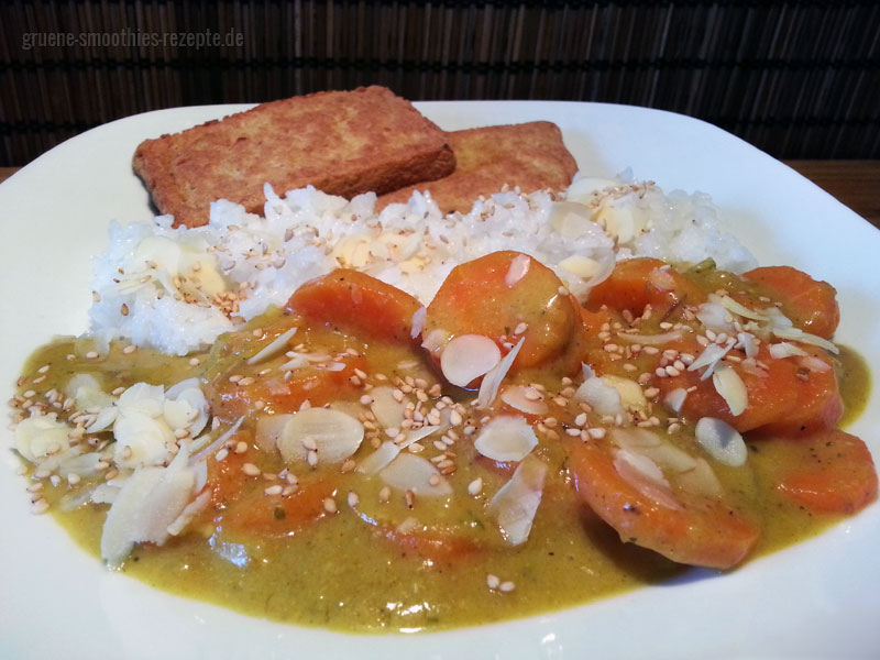 Karotten-Curry mit einer cremigen Bananen-Sesam-Mandelsosse zum reinlegen.