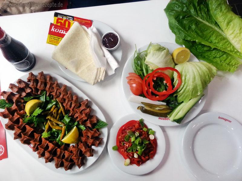 """Vegane Cig """"Chee"""" Köfte von Komagene - So sah unser Tisch aus :) Yammie <3"""