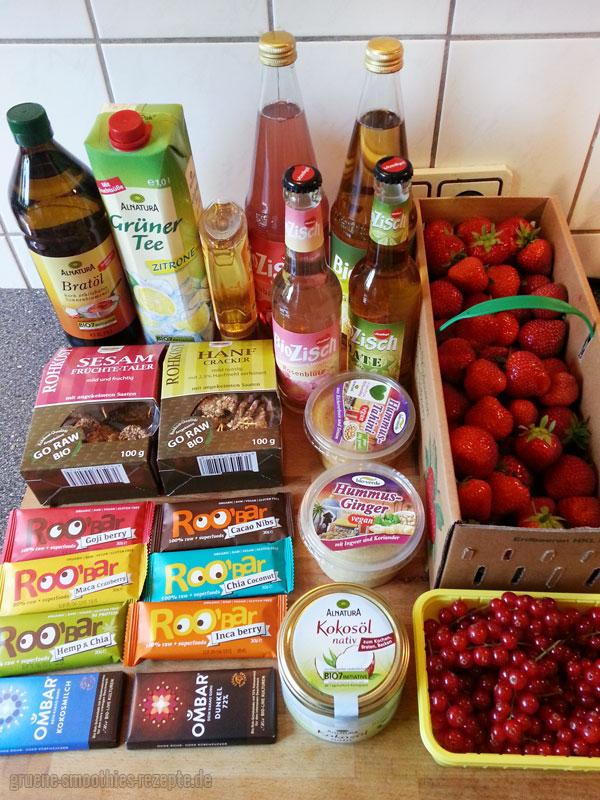 Unsere Beute vom Samstagseinkauf bei Alnatura und vom regionalen Obsthändler :)
