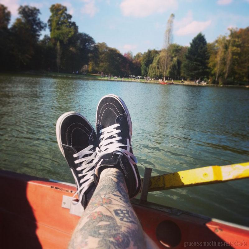 Herbstliche Ruderbootfahrt - Chillen in der Sonne :)