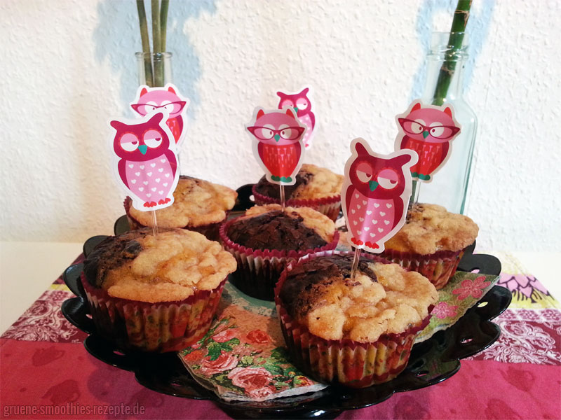 Die Kürbis-Schoko-Muffins mit kleinen bezaubernden Eulenschirmchen