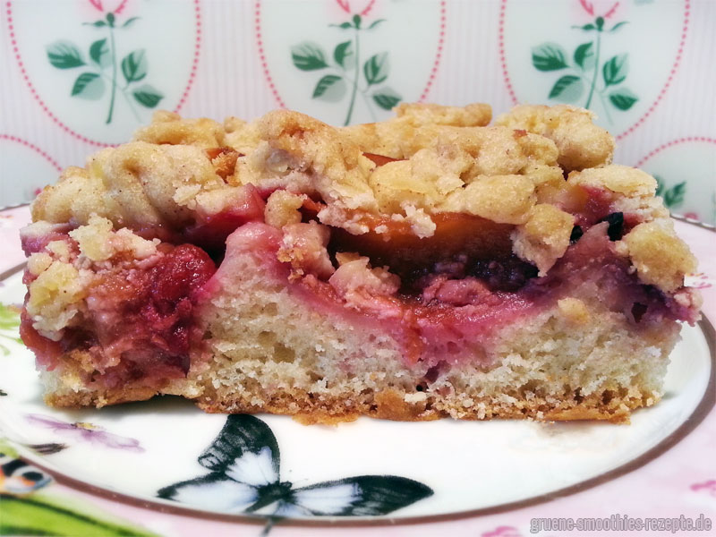 Mein veganer Pflaumenkuchen mit Mandelstreusel - Schmeckt auch nach einem Tag sehr lecker.
