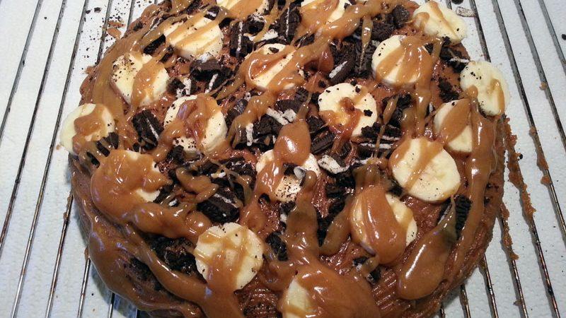 Der vegane Oreo-Bananen-Kuchen mit Erdnussbutter-Topping *sabber*