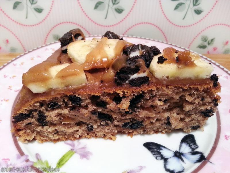 Bei einem Stückchen vom vegnane Oreo-Bananen-Kuchen mit Erdnussbutter-Topping wird es mit Sicherheit nicht bleiben :D