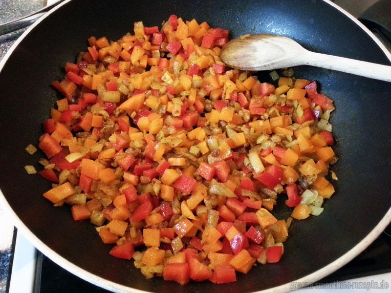 Die orientalische Quinoafüllung zubereiten