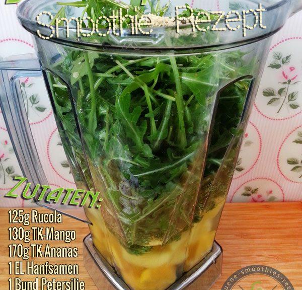 Grüner Smoothie mit Rucola, Petersilie, Hanfsamen, Mango, Ananas und Datteln