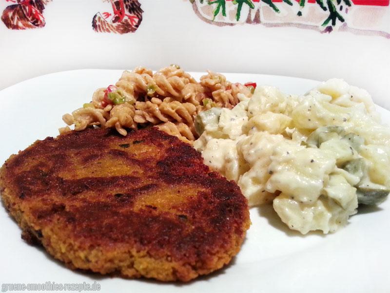 Kichererbsenschnitzel mit veganen Kartoffelsalat und Nudelsalat