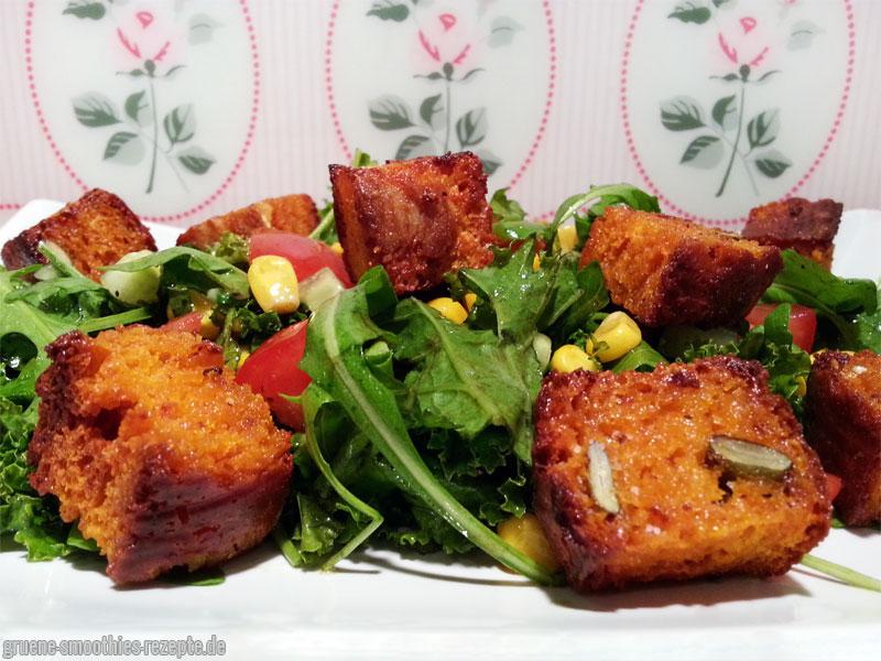 Salat mit selbstgemachten Croutons