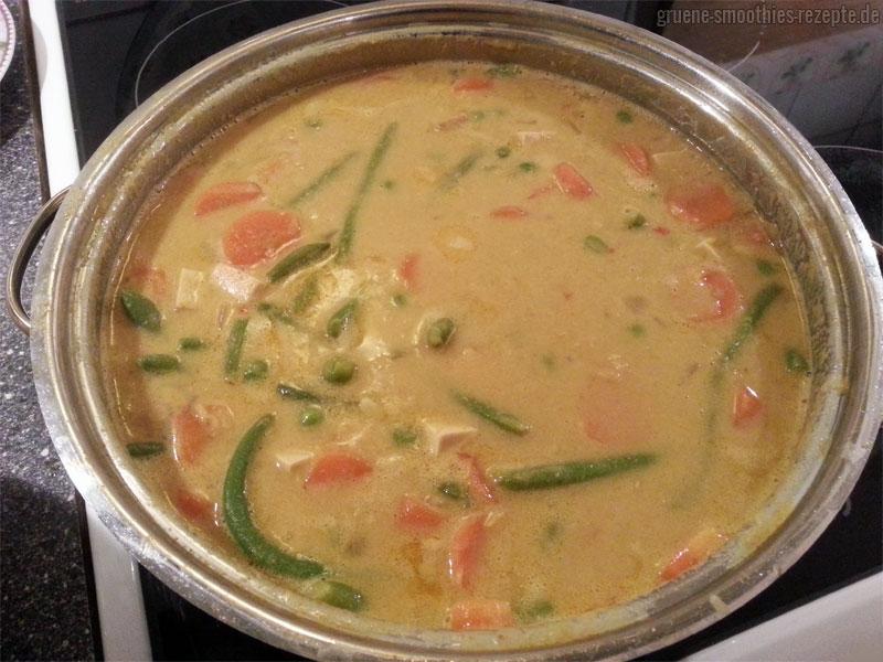 Linsen-Curry-Gemüse mit Räuchertofu