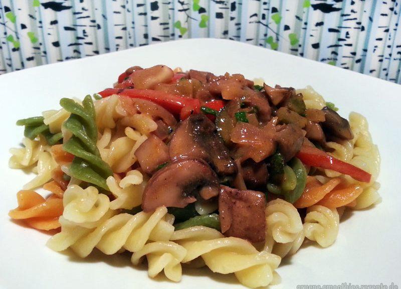 Veganes Stroganoff ohne Soja-Fleischersatz - Yammie :)