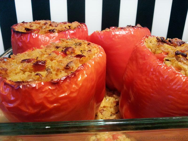Die Paprika mit mediterraner Reisfüllung - Vegan, italienisch und lecker