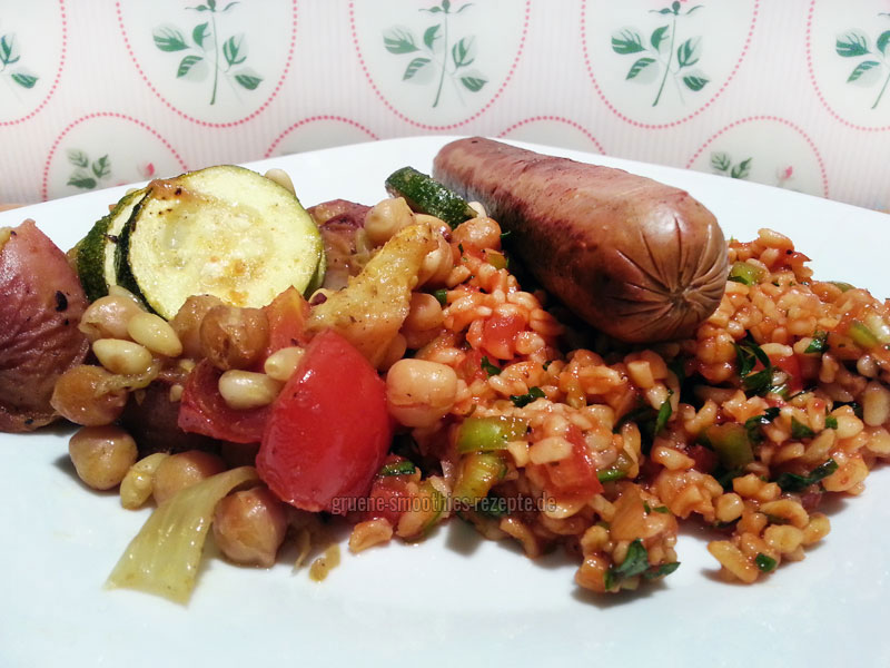 Der türkische Bulgursalat (Kisir) eignet sich auch bestens als Beilage... z.B. beim Grillen :)