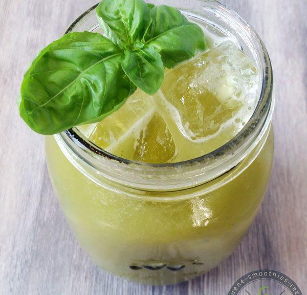 Super spritzig - Der kaltgepresste Apfel-Basilikum-Pfirsich-Saft :)