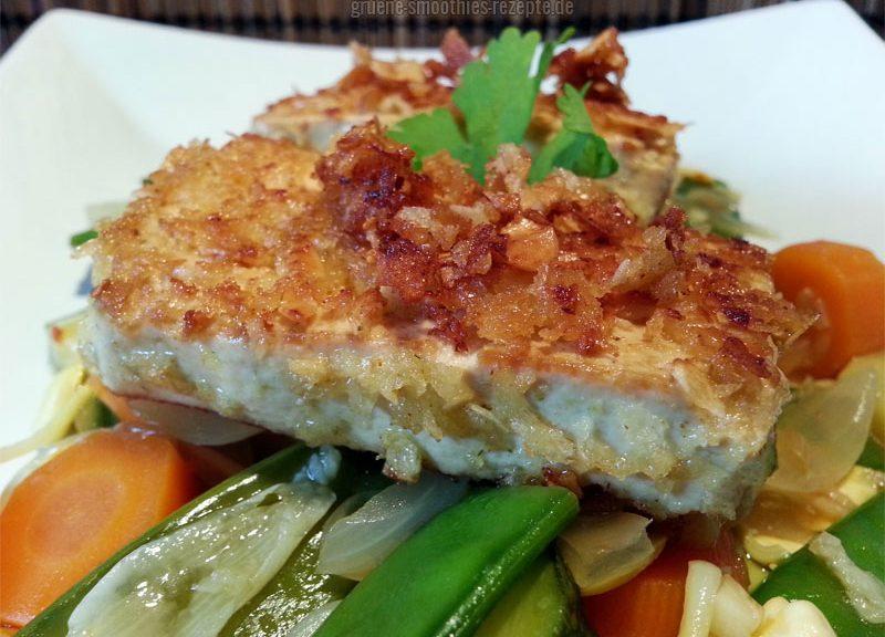 """Durch das Panko-Mehl und den Coconut Chips """"Hot Chili"""" von Tropicai erhält der Tofu eine tolle leichte exotische Schärfe :)"""