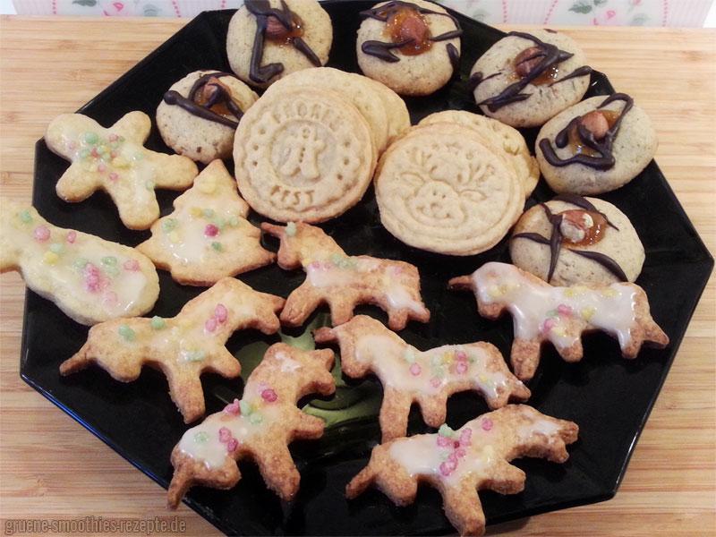 Vegane Haselnussplätzchen mit veganen Dinkelkeksen - Weihnachten kann kommen :)