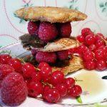 Vegane Pancakes mit Himbeeren und My Syrup