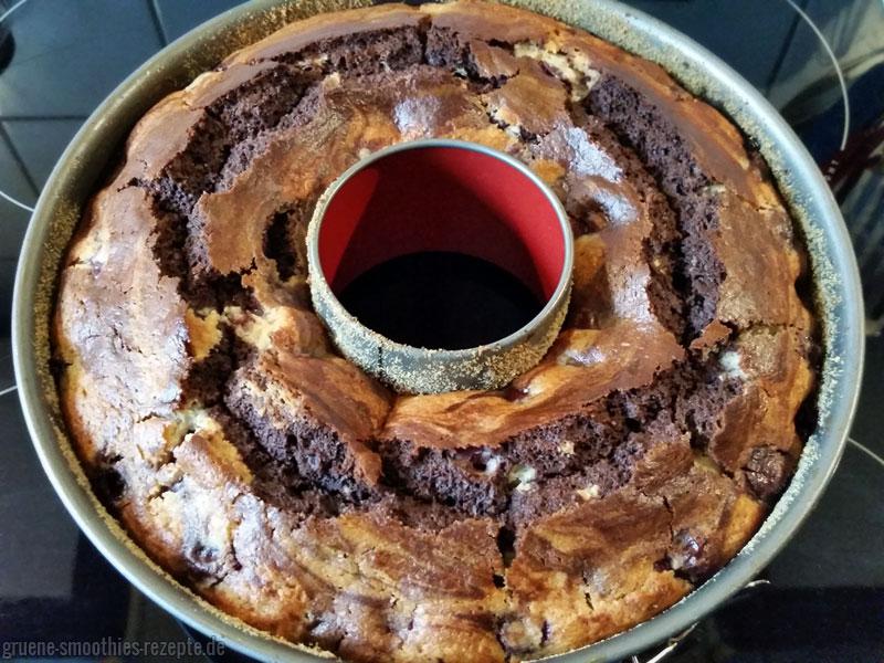Der vegane Marmorkuchen mit Kirschen ist mega lecker und super saftig :)