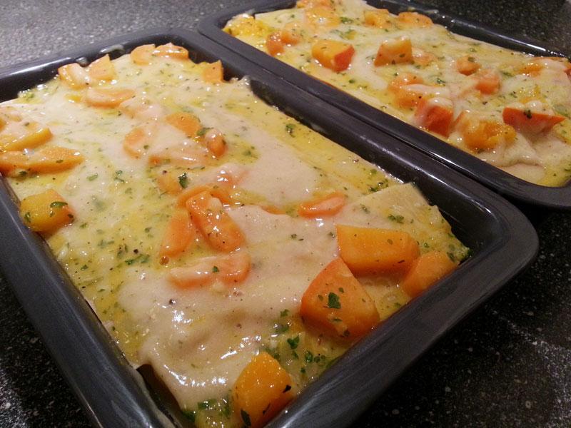 Die geschichtete veganen Lasagne mit Hokkaido Kürbis